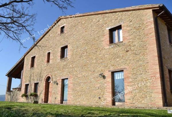 Rustico / Casale in vendita a Urbino, 6 locali, prezzo € 900.000 | CambioCasa.it