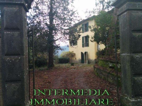 Villa in vendita a Montevarchi, 6 locali, prezzo € 380.000 | CambioCasa.it