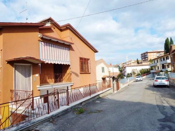 Villa in vendita a Foiano della Chiana, 6 locali, prezzo € 195.000 | Cambio Casa.it