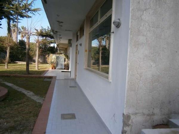 Ufficio / Studio in vendita a Pozzuoli, 6 locali, prezzo € 50.000 | Cambio Casa.it