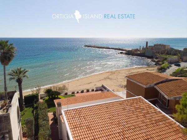 Villa in vendita a Avola, 5 locali, Trattative riservate | Cambio Casa.it