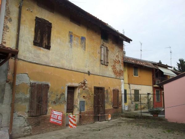 Rustico / Casale in vendita a Maleo, 4 locali, prezzo € 35.000   Cambio Casa.it