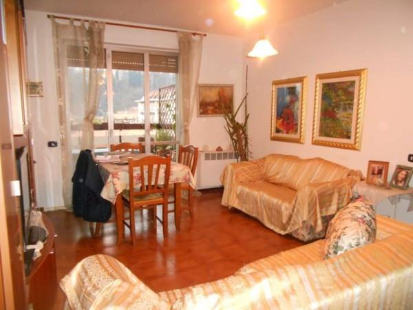 Appartamento in vendita a Montano Lucino, 4 locali, prezzo € 140.000 | Cambio Casa.it