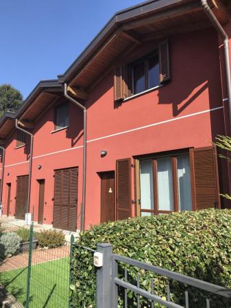 Appartamento in vendita a Cantù, 3 locali, prezzo € 112.000 | Cambiocasa.it