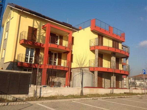 Bilocale Lonate Ceppino Via Vittorio Veneto 4
