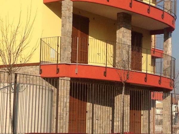 Bilocale Lonate Ceppino Via Vittorio Veneto 5