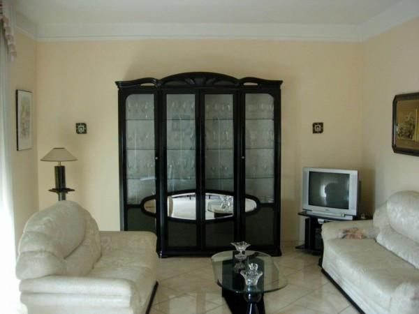 Appartamento in vendita a Vercelli, 4 locali, prezzo € 130.000 | Cambio Casa.it