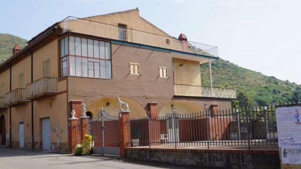 Soluzione Indipendente in vendita a Piana di Monte Verna, 6 locali, prezzo € 230.000 | Cambio Casa.it