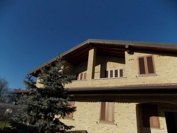 Villa in vendita a Carugate, 5 locali, prezzo € 440.000 | Cambiocasa.it