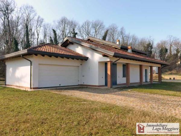 Villa in vendita a Leggiuno, 6 locali, prezzo € 425.000 | Cambio Casa.it