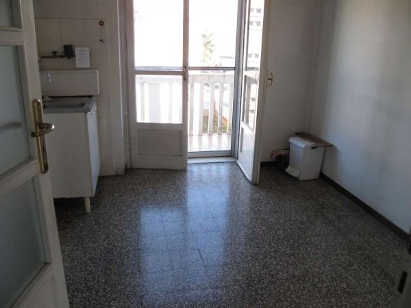 Appartamento in vendita a Vercelli, 3 locali, prezzo € 40.000 | CambioCasa.it