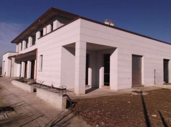 Villetta in Vendita a Pontenure Centro: 3 locali, 120 mq