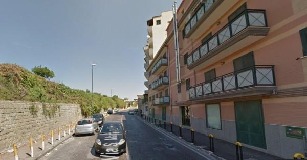 Bilocale Napoli Via San Maria Del Pianto 10