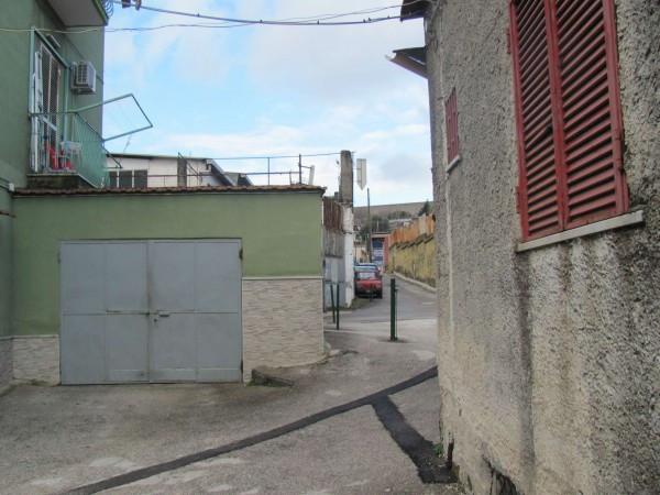 Bilocale Napoli Via San Maria Del Pianto 8
