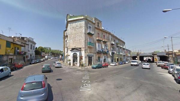 Bilocale Napoli Via San Maria Del Pianto 9