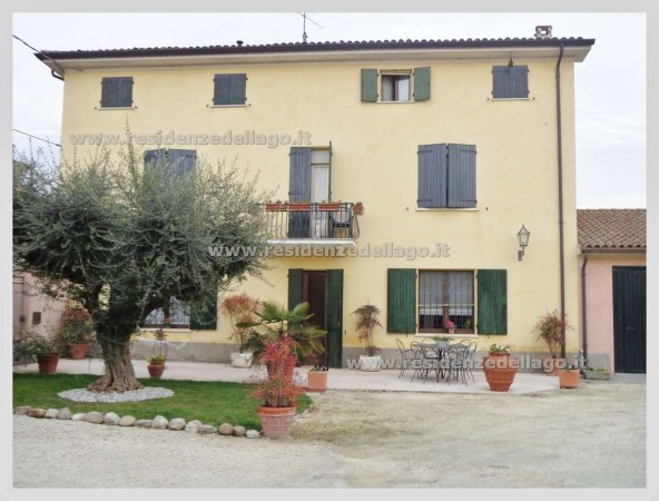 Rustico / Casale in vendita a Monzambano, 6 locali, prezzo € 965.000   Cambio Casa.it