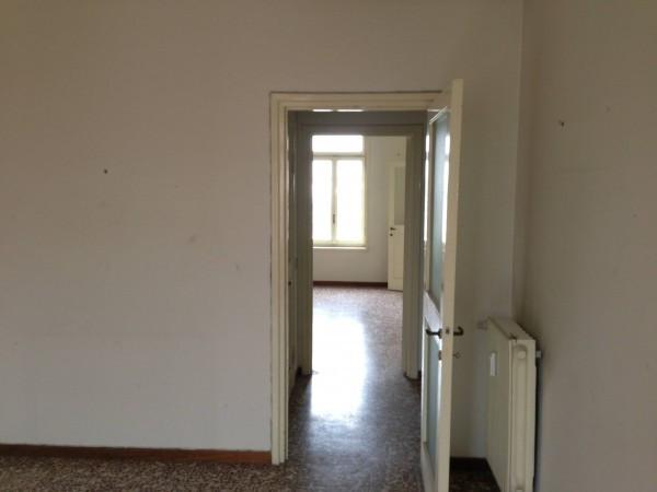 Bilocale Milano Via Fezzan 9