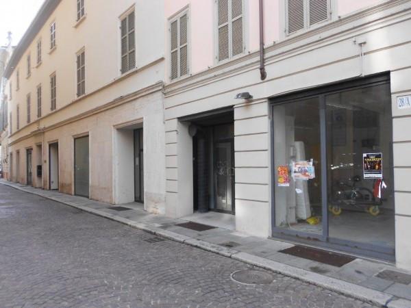 Negozio in affitto a Parma in Via Giosuè Carducci