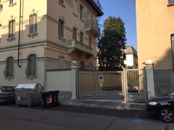 Posto-box auto in Vendita a Torino Semicentro Sud: 13 mq