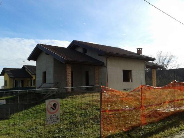 Casa indipendente in Vendita a Refrancore Periferia: 5 locali, 240 mq