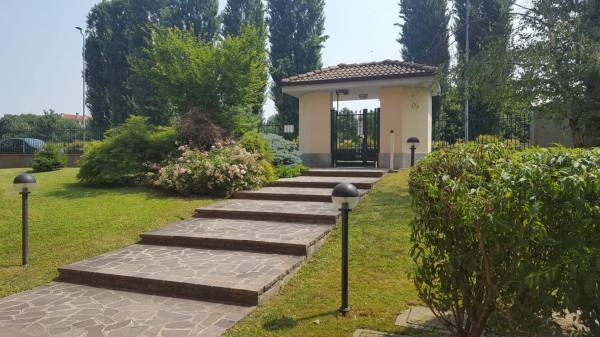 Bilocale Settala Via Genova 4