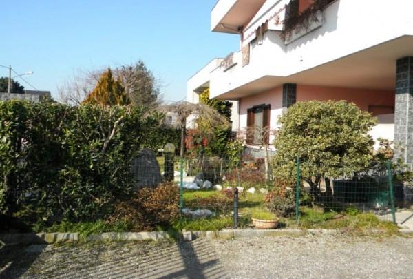 Villa in vendita a Samarate, 6 locali, prezzo € 660.000 | Cambio Casa.it