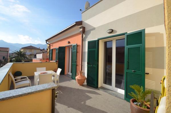 Appartamento in Vendita a Albenga Semicentro: 3 locali, 69 mq