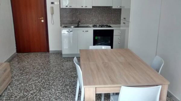 Bilocale Bari Via De Rossi 2