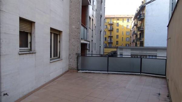 Bilocale Milano Via Montecatini 9