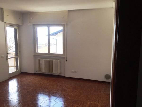 Appartamento in affitto a Albino, 2 locali, prezzo € 400 | Cambio Casa.it