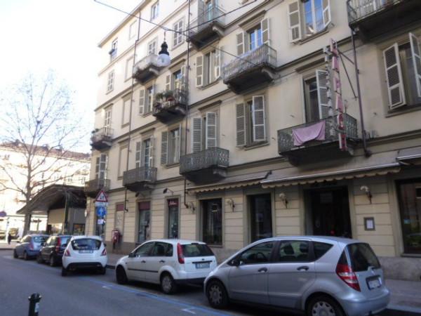 Appartamento in vendita a Torino, 5 locali, zona Zona: 3 . San Salvario, Parco del Valentino, prezzo € 215.000 | Cambiocasa.it