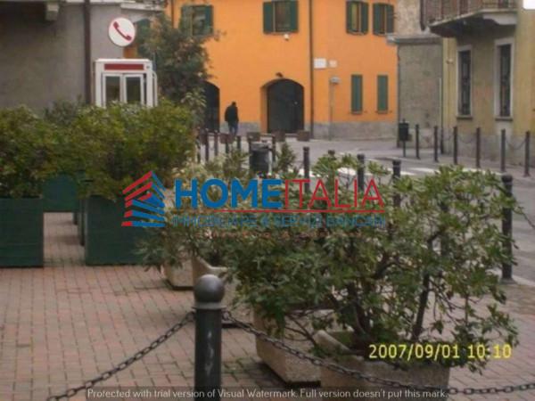 Bilocale Milano Via Giuseppe Verdi 9