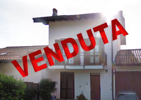 Villa in vendita a Biandronno, 9999 locali, prezzo € 210.000 | Cambio Casa.it