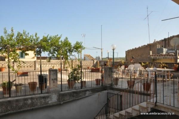 Palazzo / Stabile in Vendita a Noto