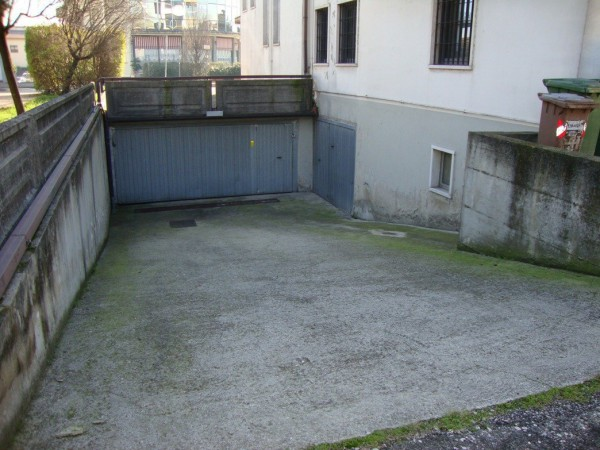 Box / Garage in Vendita a Buttapietra