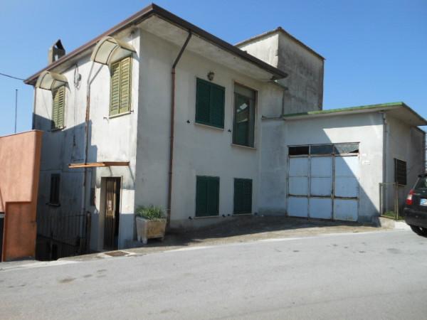Soluzione Indipendente in vendita a Capriati a Volturno, 6 locali, prezzo € 150.000 | Cambio Casa.it