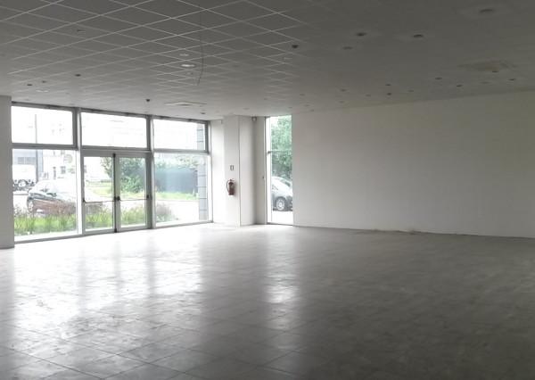 Negozio / Locale in vendita a Cesano Maderno, 2 locali, prezzo € 1.700.000 | Cambio Casa.it