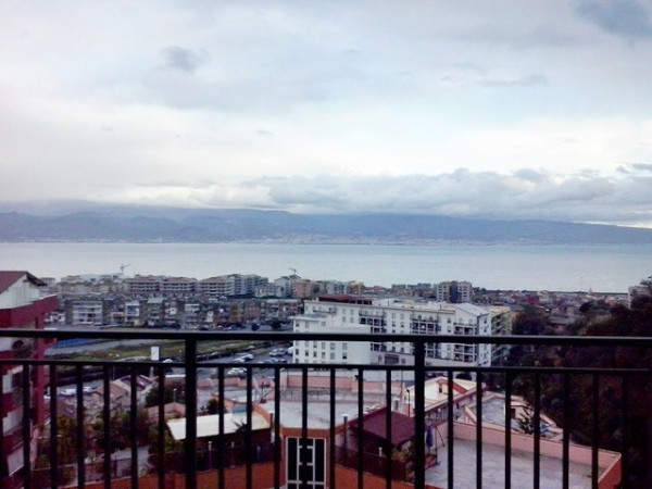Appartamento in vendita a Messina, 4 locali, prezzo € 185.000 | Cambio Casa.it