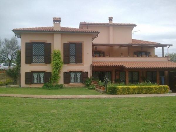 Villa in vendita a Capena, 6 locali, prezzo € 750.000 | Cambiocasa.it