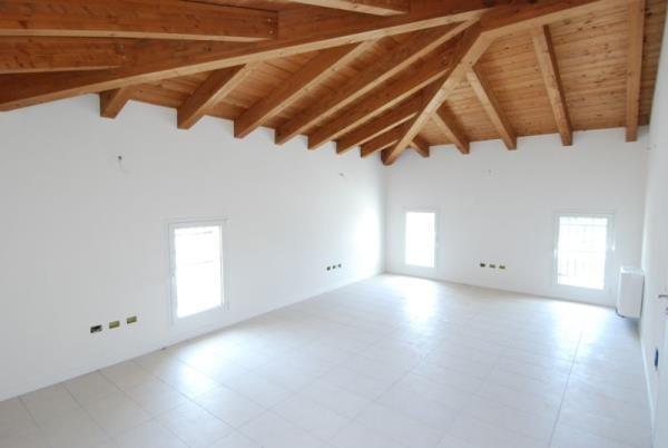 Ufficio / Studio in vendita a Mestrino, 4 locali, Trattative riservate | Cambio Casa.it