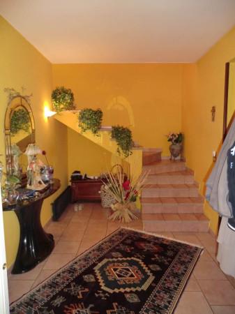 Villa in vendita a Vercelli, 5 locali, prezzo € 155.000 | CambioCasa.it