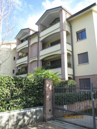 Appartamento in vendita a Carate Brianza, 2 locali, prezzo € 120.000 | Cambiocasa.it