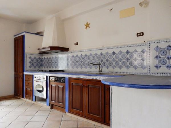Appartamento in vendita a Terrasini, 6 locali, prezzo € 220.000 | Cambio Casa.it