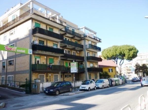 Attico / Mansarda in affitto a Roma, 3 locali, zona Zona: 8 . Tiburtina, Colli Aniene, Pietrasanta, San Basilio, prezzo € 850 | Cambio Casa.it