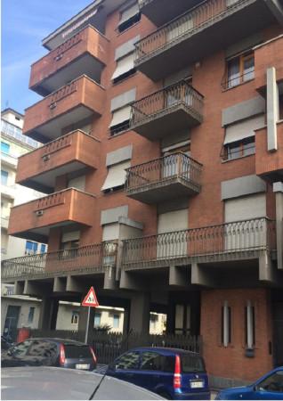 Bilocale Torino Via Chatillon 6