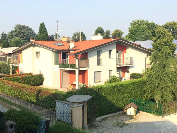 Bilocale Carugo Via Marconi, 21 1