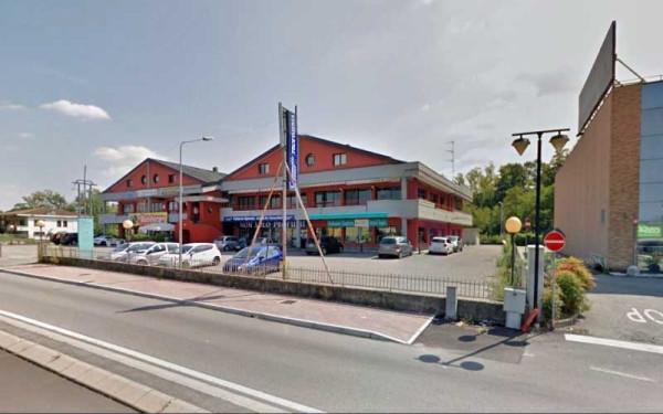 Negozio / Locale in vendita a Castelletto Sopra Ticino, 2 locali, prezzo € 400.000 | Cambio Casa.it