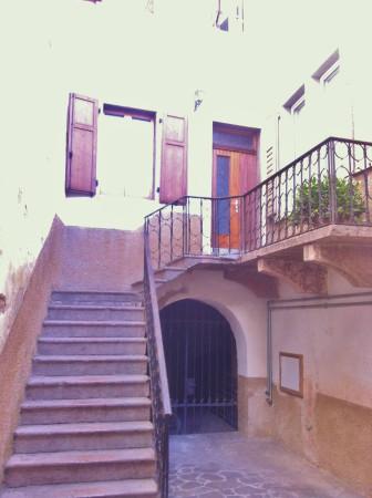 Bilocale Vezzano Via Dante 7