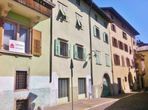 Bilocale Vezzano Via Dante 9