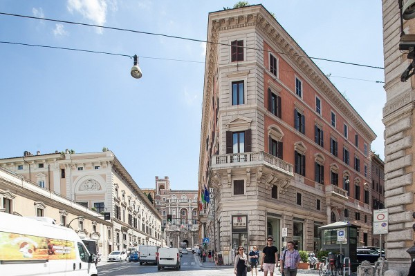 Ufficio iv novembre centro storico mq for Affitto ufficio giornaliero roma